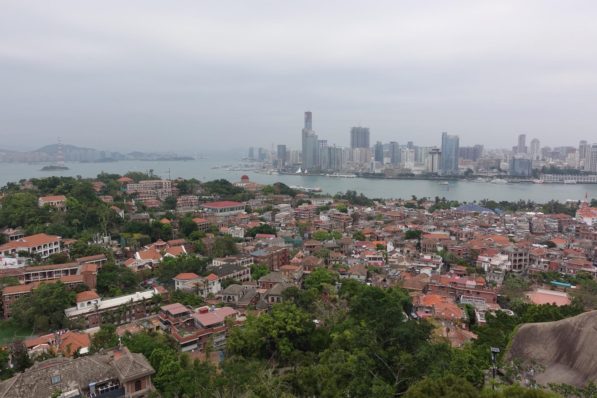 海边的城市